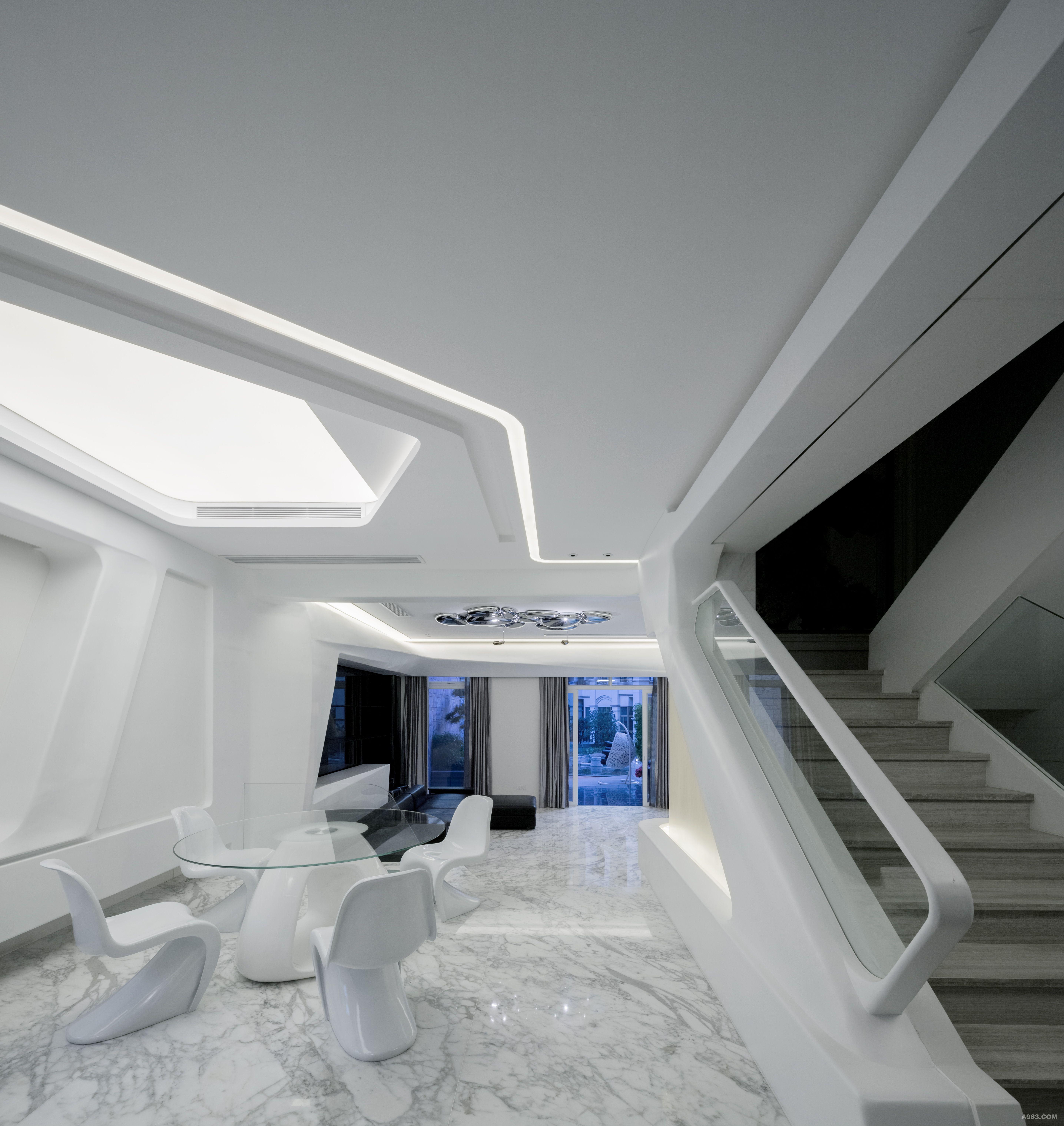 工业设计和室内设计将来的界限会更加模糊,流线的整体空间可以和家居