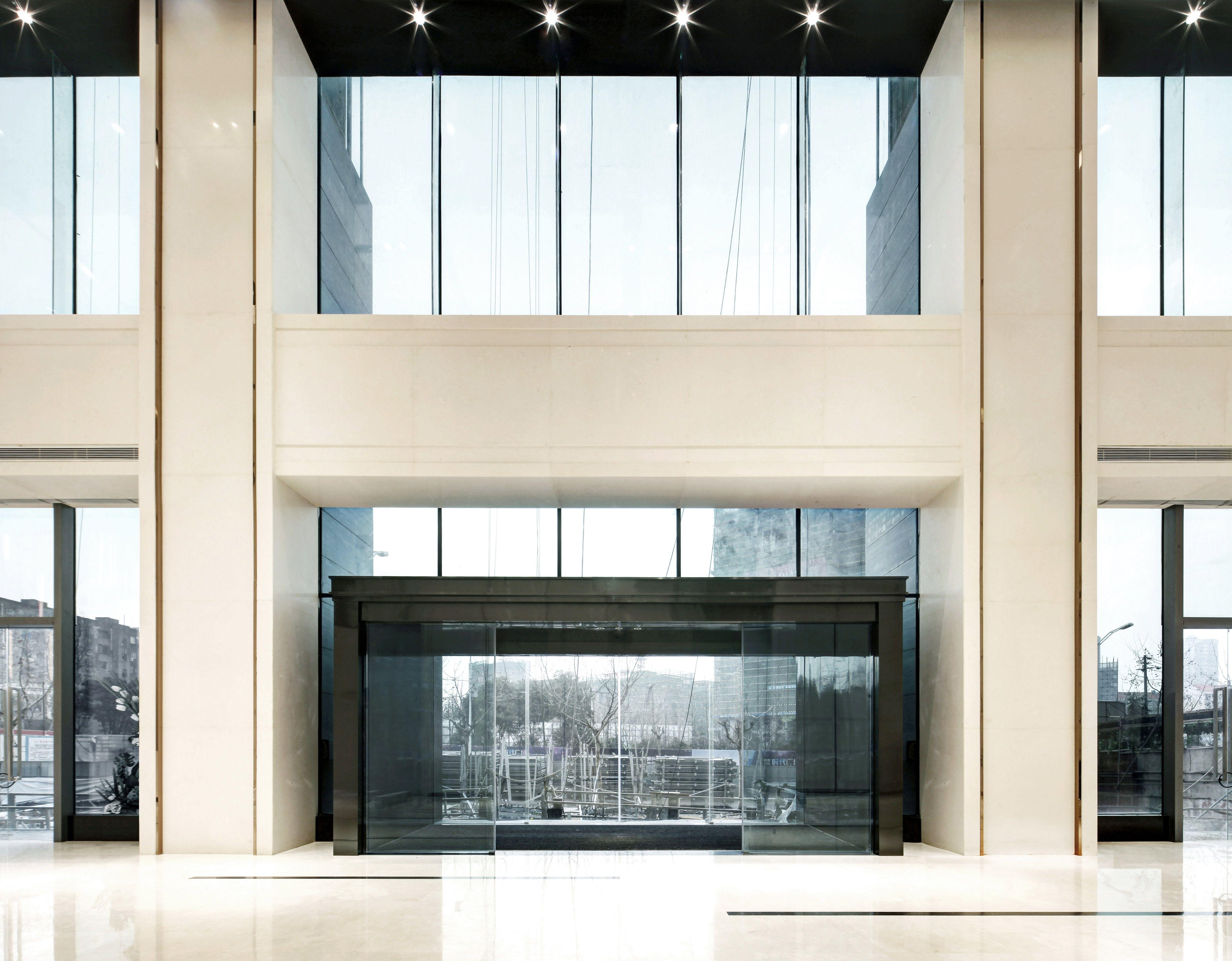 铜锣湾广场甲级办公楼大堂
