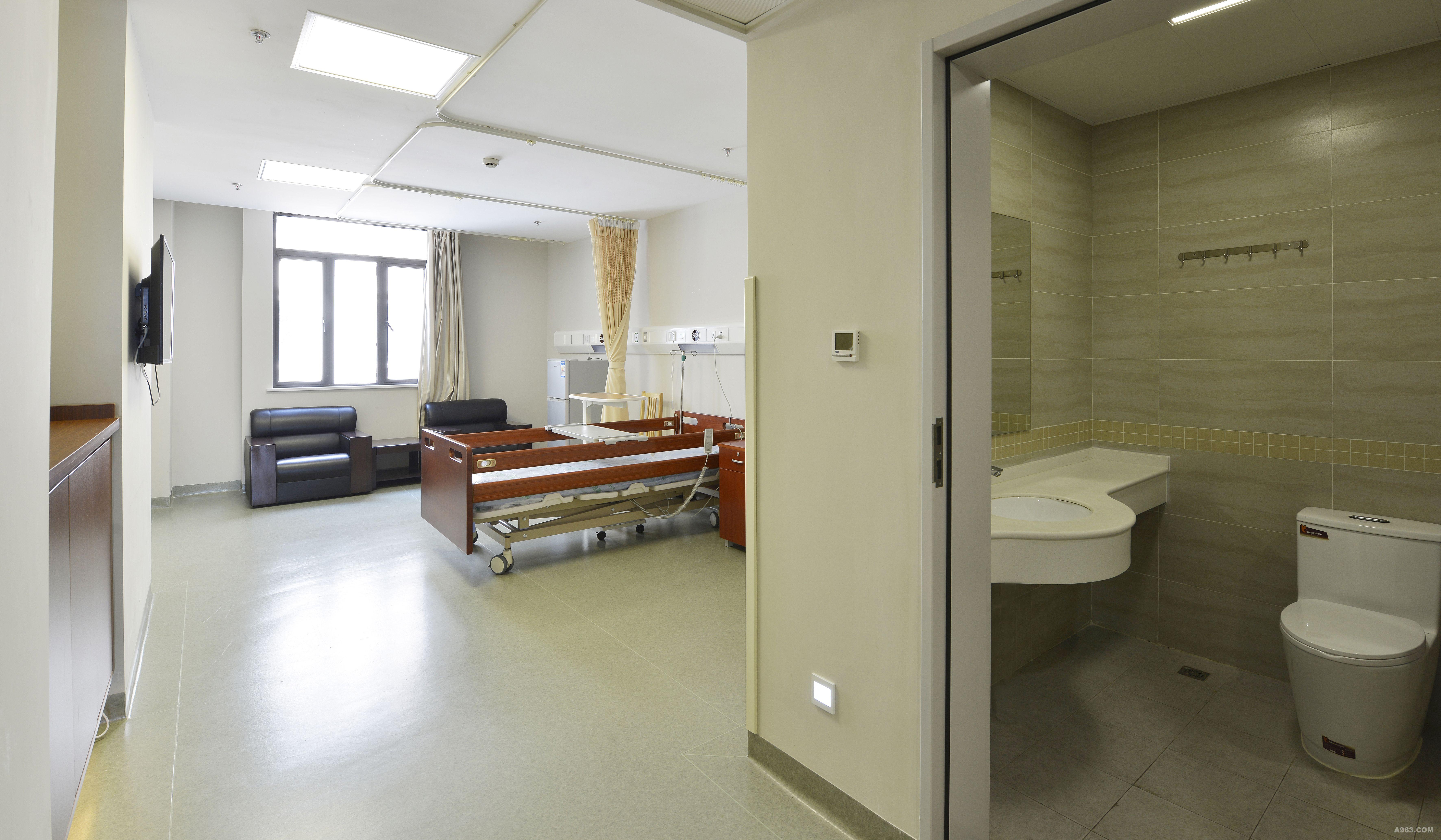 已设置批复为二级专科康复医院,设有20张床位的重症监护病房,大型高压